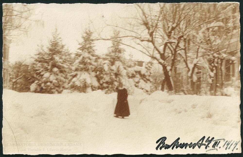 Fotografie tip carte poștală, hârtie cu gelatino-bromură de argint; fotograf germanofon neidentificat. Col. Theodor E. Ulieriu-Rostás.
