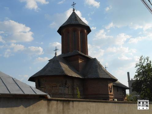 Biserica vechiului sat Dudești, văzută din str. Prevederii ...